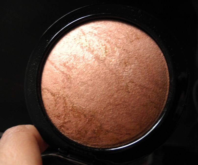 MAC mineralize skin finish cheeky bronze