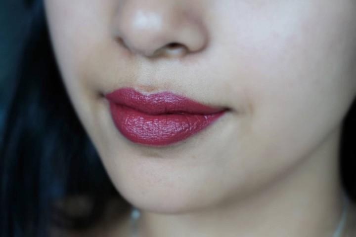 NARS Audacious Lipstick Audrey NC42