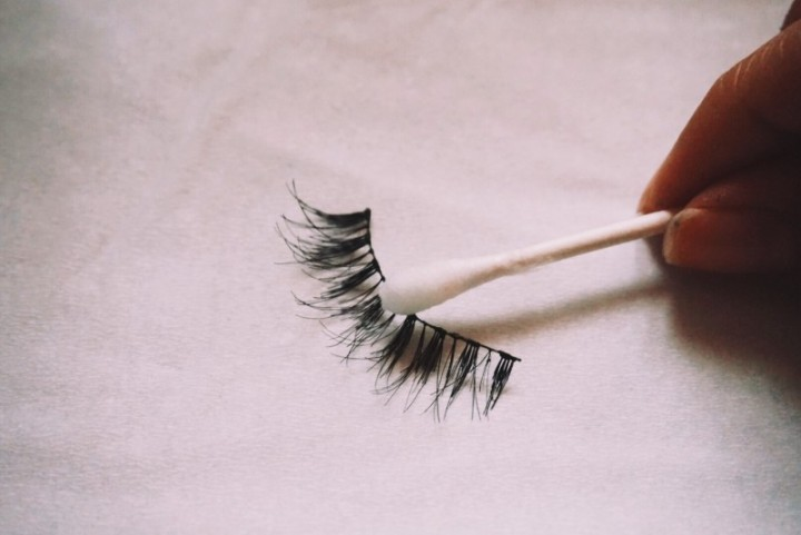 cleaning lash glue