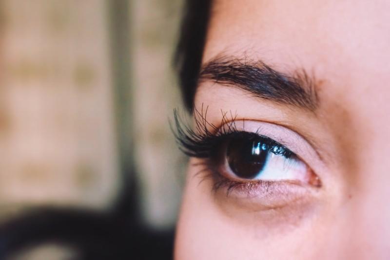 false eyelash tutorial red cherry lashes WSP house of lashes