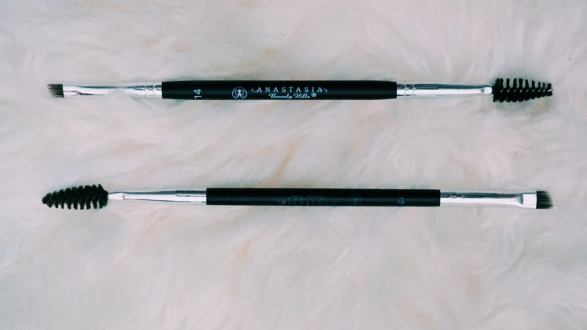 Anastasia Beverly Hills Brow Brush #12 vs. Brush #14